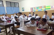 Waduh, Banyak Sekolah di Zona Kuning dan Merah Nekat Tatap Muka - JPNN.com