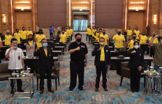 Ketua PB WI Airlangga Hartarto Apresiasi Sertifikasi Pelatihan Pelatih Wushu Tingkat Pratama - JPNN.com