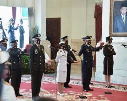 Presiden Jokowi Lantik 750 Perwira TNI dan Polri - JPNN.com