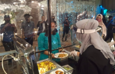 Muncul Klaster Covid-19 Pernikahan, Resepsi Sebaiknya tak Perlu Ada Makanan Prasmanan - JPNN.com
