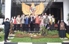 Sambangi Istana, Begini Aspirasi Perwakilan Masyarakat Dayak - JPNN.com