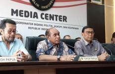 Freddy Numberi Ingatkan Milenial Bahaya Politik Adu Domba - JPNN.com