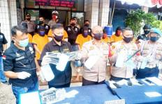 Bapak-Anak Diburu Polisi, Tegang, Dor! - JPNN.com