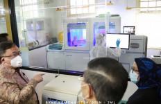 Menristek Bambang: Mesin Deteksi COVID-19 Cobas 6800 Mampu Uji 1000 Sampel per Hari - JPNN.com