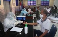 Seluruh Prajurit dan PNS Mako Lanal Tegal Laksanakan Test Rapid, Hasilnya? - JPNN.com