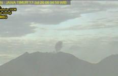 Waspada, Aktivitas Gunung Raung Meningkat - JPNN.com