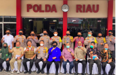 Kunker ke Riau, MenteriSitiMemantapkan Upaya Pencegahan Permanen Karhutla - JPNN.com