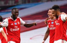 Brace Aubameyang Bawa Arsenal Hancurkan Manchester City - JPNN.com