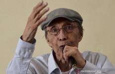 Puisi-Puisi Romantis Sapardi Djoko Damono jadi Oase Buat Fahri Hamzah - JPNN.com