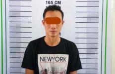 Joni Tepergok Berbuat Terlarang Bareng Teman Akrab di Kamar, nih Fotonya - JPNN.com