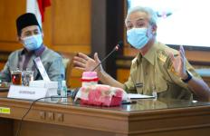 Para Anggota DPR Kagum pada Ide Ganjar Menjalankan Program Jogo Tonggo - JPNN.com