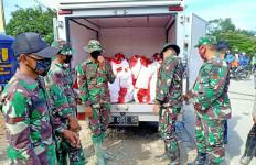 Korban Banjir Luwu Utara Dapat 3 Ribu Paket Sembako dari Jokowi - JPNN.com