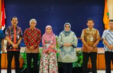 Ganjar Tunjuk Padmaningrum Mengurus Pendidikan di Jateng - JPNN.com