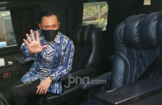 Wuih! Lihat Nih Kemewahan Mobil Agus Yudhoyono Saat Sambangi PKS - JPNN.com
