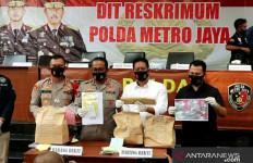 Polisi Sebut Editor Metro TV Itu Tewas dengan Pisau yang Dibelinya Sendiri - JPNN.com