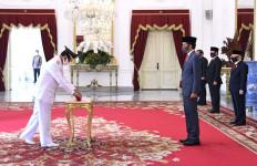 Presiden Jokowi Lantik Isdianto sebagai Gubernur Kepulauan Riau - JPNN.com
