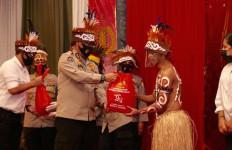 Keren, Aksi Terpuji Batalyon Bhara Daksa Akpol 1991, Warga Warga Asli Papua Senang - JPNN.com