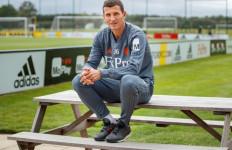Valencia Punya Manajer Baru, Semoga Musim Depan Lebih Baik - JPNN.com