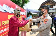 Alhamdulilah, Purnawirawan dan Warakawuri TNI AU dapat 800 Paket Sembako - JPNN.com