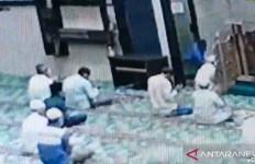 Info Terkini dari Polisi Terkait Perilaku Aneh Penikam Imam Masjid, Oh Ternyata - JPNN.com