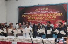 Detik-detik Pengungkapan 200 Kg Sabu-sabu, Petugas Jasa Pengiriman Barang Kaget, Wanita Diintai - JPNN.com