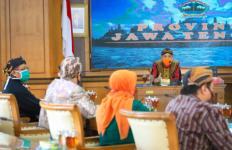 Ganjar Gelontorkan Bantuan Keuangan Rp 2,23 Triliun untuk Warga Jateng - JPNN.com