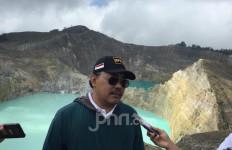 Berkunjung ke Danau Kelimutu, Gus Jazil Dorong Tempat Wisata di Wilayah Zona HIjau Segera Dibuka - JPNN.com
