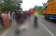 Kecelakaan Maut, Pengendara Tewas di Tempat, Sepeda Motor Sampai Terbakar - JPNN.com