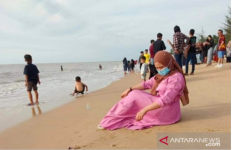 Wah Warga Serbu Pantai Jawai, Semoga Masih Ingat Protokol Kesehatan - JPNN.com