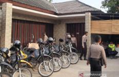 Investasi Bodong di Cianjur: Rumah Mewah Milik HA Digeruduk Ratusan orang - JPNN.com