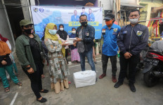 DPP KNPI Buka Dapur Umum di Jabotabek, Bagikan 32 Ribu Paket Makanan - JPNN.com