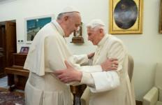Kabar Buruk soal Kondisi Paus Emeritus Benedict XVI, Semoga Segera Diberi Kesehatan - JPNN.com