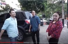 Raffi Ahmad dan Nagita Kaget Temukan Barang Ini di Mobil Chef Juna - JPNN.com