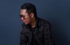 Diproduseri Fare Lyla, Boni Anggara Pamer Lagu Biarkan Aku Bahagia - JPNN.com