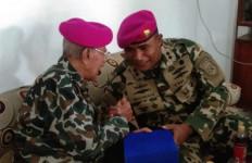 Danlanal Tegal Anjangsana ke Rumah Eks Pejuang ALRI, Nih Biodatanya - JPNN.com