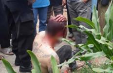 Pria Bertato Babak Belur, Nyaris Dibakar Warga karena Disangka Pelaku Curanmor, Ternyata - JPNN.com