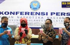 Tim Gabungan Bea Cukai dan BNN Gagalkan 4 Penyelundupan Narkotika di Makassar - JPNN.com