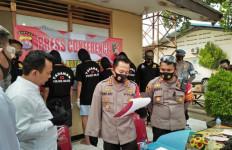5 Pemuda Keroyok Polisi, Senjata Api Direbut, Babak Belur - JPNN.com