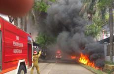 Pabrik Berisi Zat Kimia di Sentul Bogor Terbakar, Mencekam - JPNN.com
