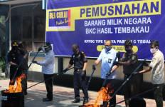 Bea Cukai Tegal Musnahkan 5,3 Juta Batang Rokok Ilegal - JPNN.com