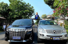 Pamer Gerakan Split di Atas 2 Mobil Mewah, Inul: Selangkangan Menggantung - JPNN.com