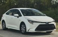 Berpotensi Mati Mendadak, Ribuan Toyota Corolla Hybrid dan Prius Kena Recall - JPNN.com