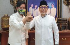 Sindiran Keras Amien Rais Lihat Zulkifli Hasan jadi Mentor Gibran bin Jokowi - JPNN.com