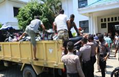 Polisi Geledah Asrama Mahasiswa, Sempat Diprotes, Bukan Kasus Sabu-sabu, Lihat Sendiri - JPNN.com