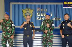 Strategi Bea Cukai dan Pomdam IM Aceh Memberantas Penyelundup Barang Ilegal - JPNN.com