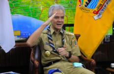 Budi Waseso Beri Penghargaan Lencana Melati untuk Ganjar Pranowo - JPNN.com