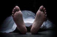 Ayah dan Anak Bernasib Tragis Saat Perbaiki Talang Rumah, Istri Korban Menjerit Histeris - JPNN.com