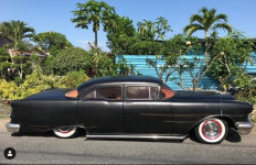 Lihat nih Koleksi Mobil Jerinx SID, Keren Bro! - JPNN.com