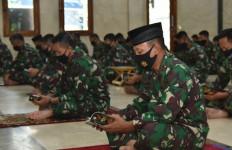 Sambut HUT ke-75 Kemerdekaan RI, Koarmada II Gelar Doa Bersama - JPNN.com