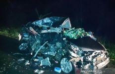 Kecelakaan Maut Honda Jazz vs Truk di Jalinsum, 3 Wanita Cantik Tewas di Tempat, Lihat Mobilnya - JPNN.com